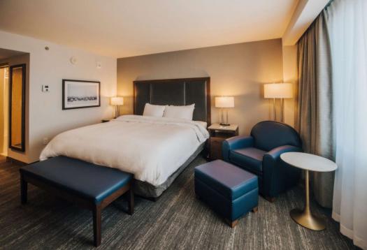 Explorer Hotel - Room